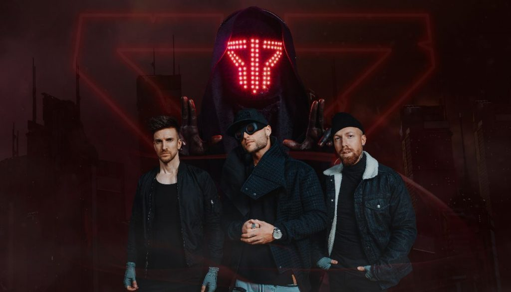 Smash Into Pieces release a new single 'Glow in the dark' 2